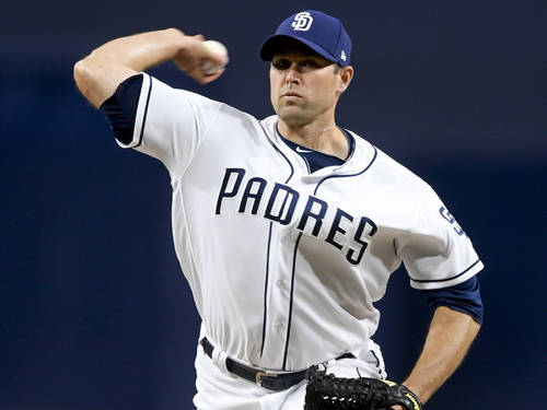 Versailles alumnus Craig Stammen is returning to the San Diego Padres on a two-year, $4.5 million contract.