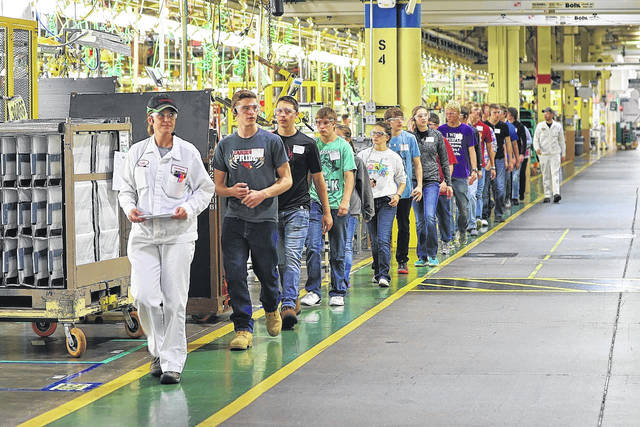 Local Students Tour The Annaengine Plant As Part Of Honda S Manufacturing Day Activities