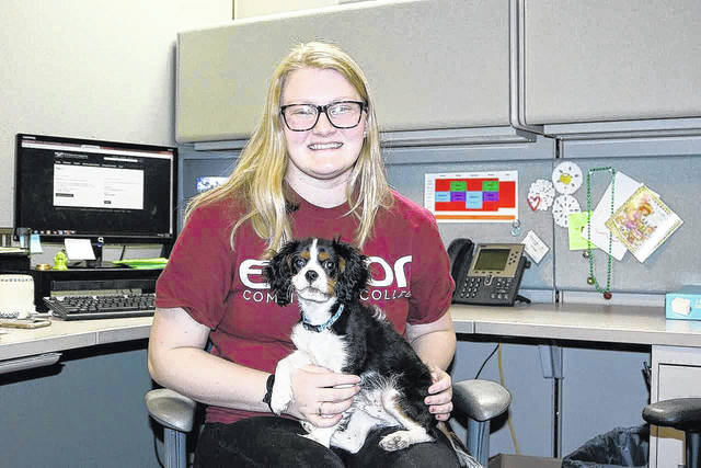 Eddie visits with Edison State student Kelsey Kirchner, of Conover.