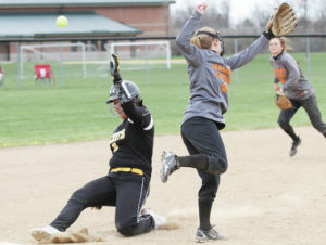 Saturday roundup: Versailles earns two wins in Yellow Jacket Invite